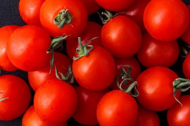 Плоды томатов Бетта имеют круглую форму и плотную кожицу