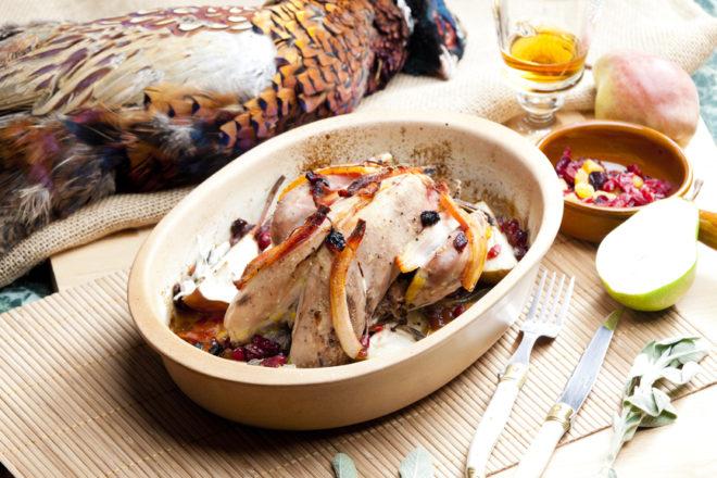 Мариновать и замачивать мясо фазана не нужно