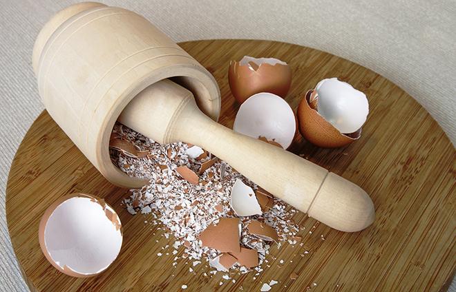 Яичная скорлупа содержит кальцый