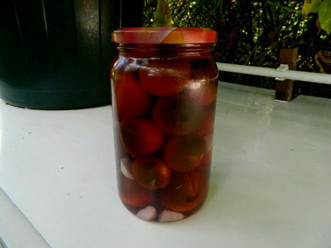 Томат Черная гроздь хорош для консервации